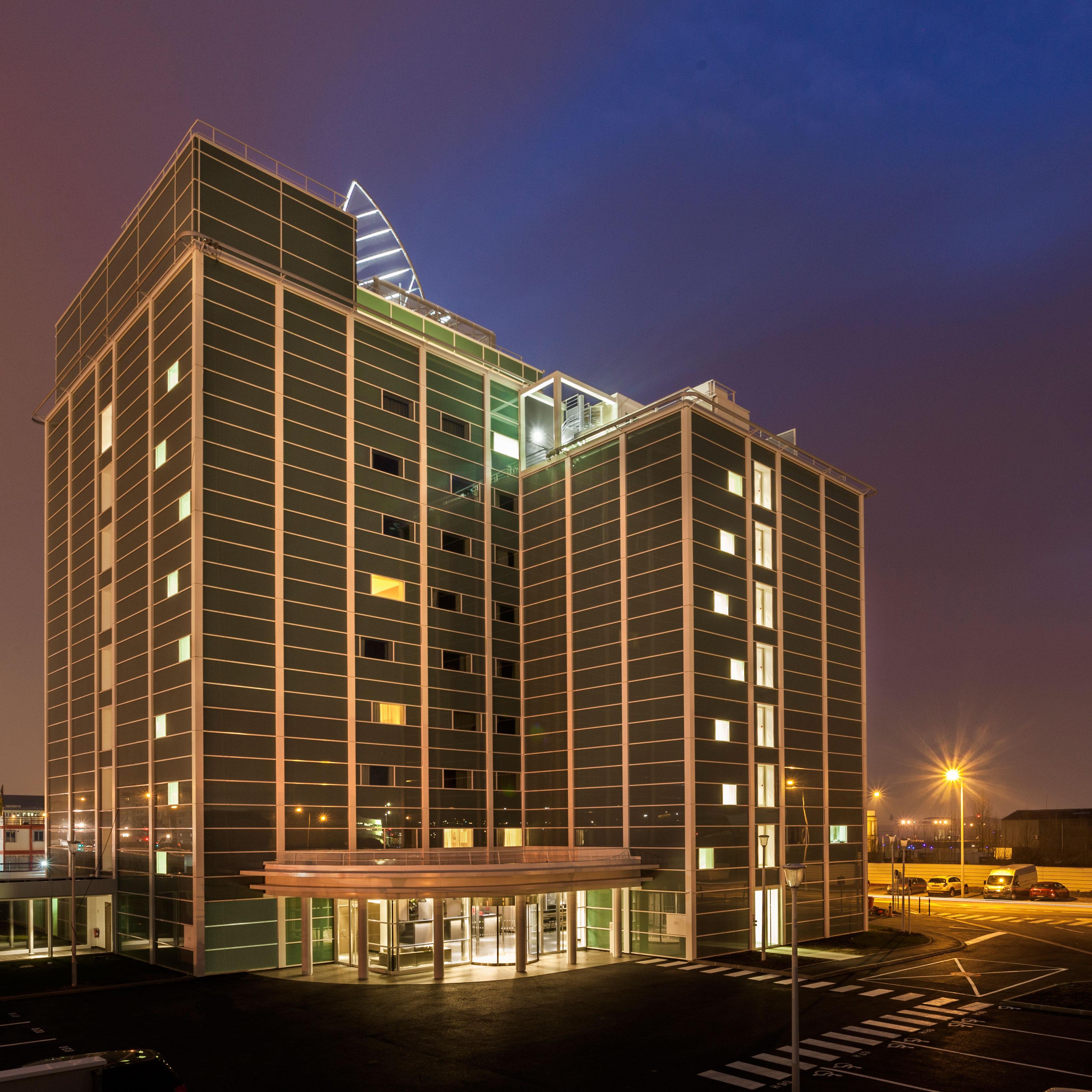 Ac paris le bourget airport nuevo hotel de ac hotels by for Bourget paris